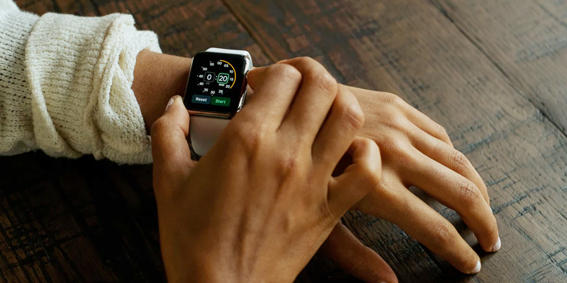 How Wearable Technology is Shaping the Enterprise App Development? - Image 1
