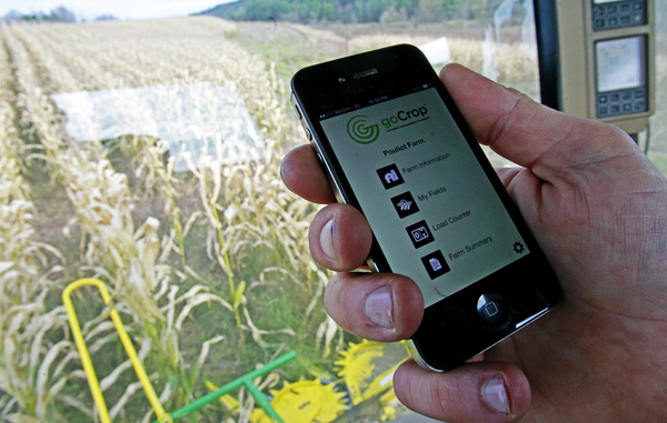 How sparkling iPhone applications can elevate the productivity of farmers? - Image 1