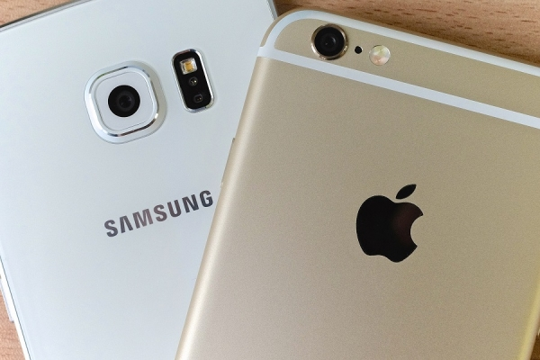 iPhone 6S vs Samsung Galaxy S6 - Image 1